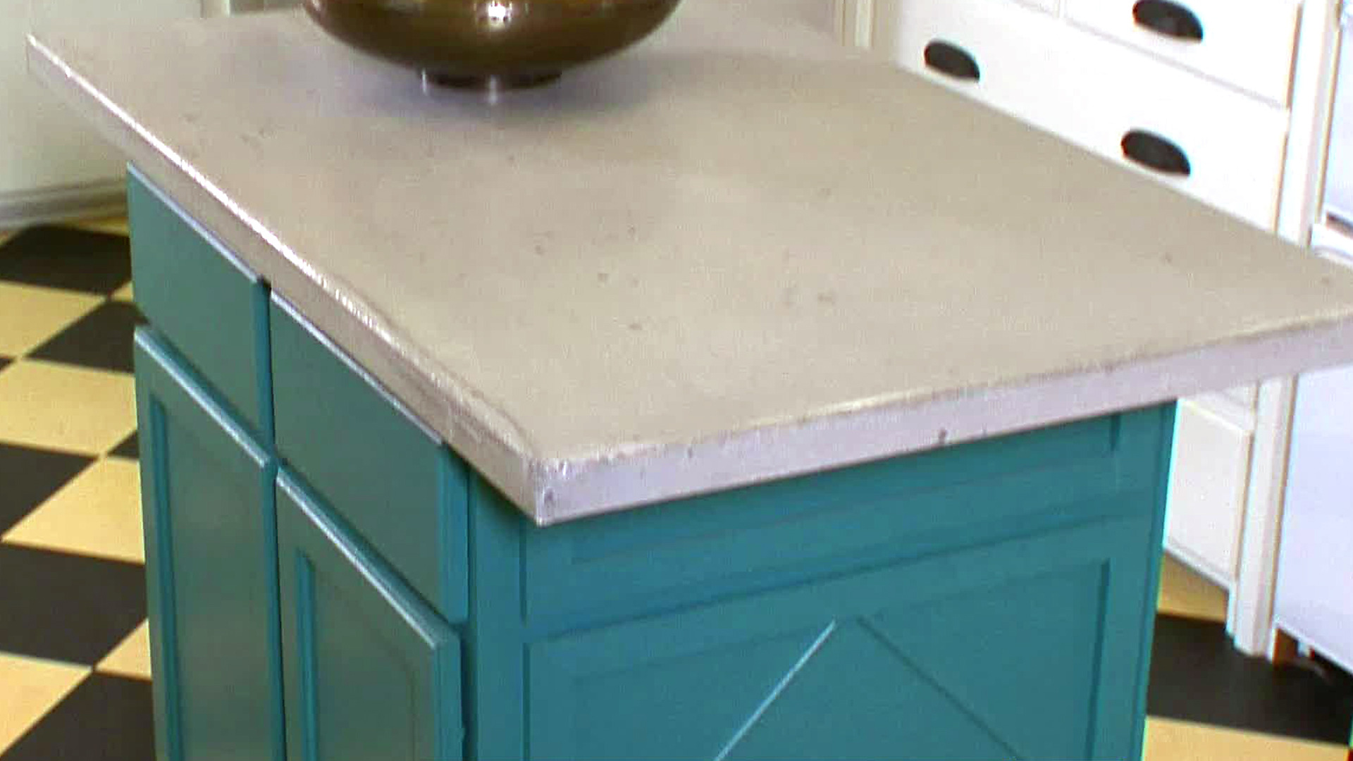 Kitchen Island Plans: Pictures, Ideas & Tips From HGTV | HGTV