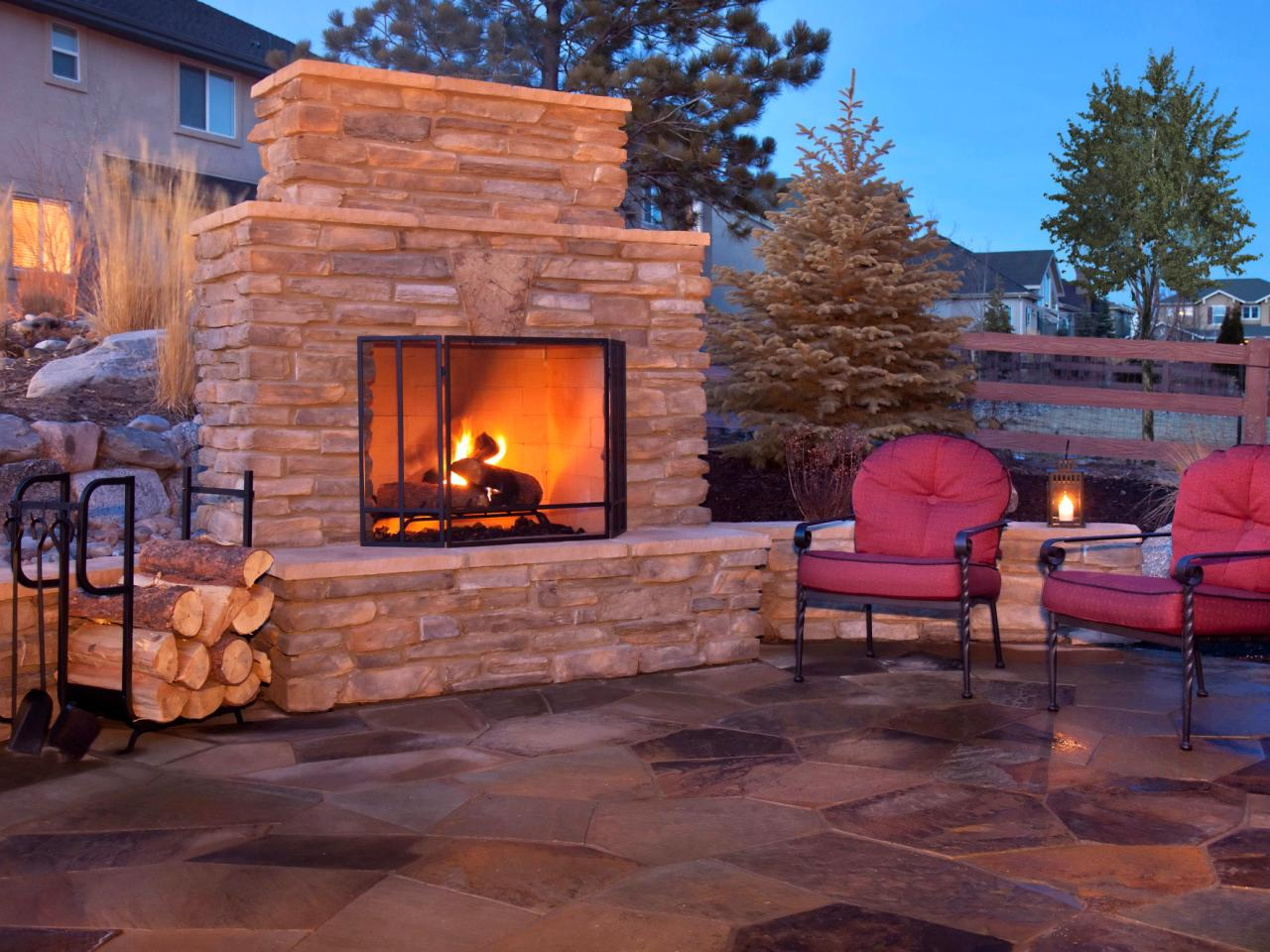 How to plan for building an outdoor fireplace outdoor for Outdoor patio fireplace ideas