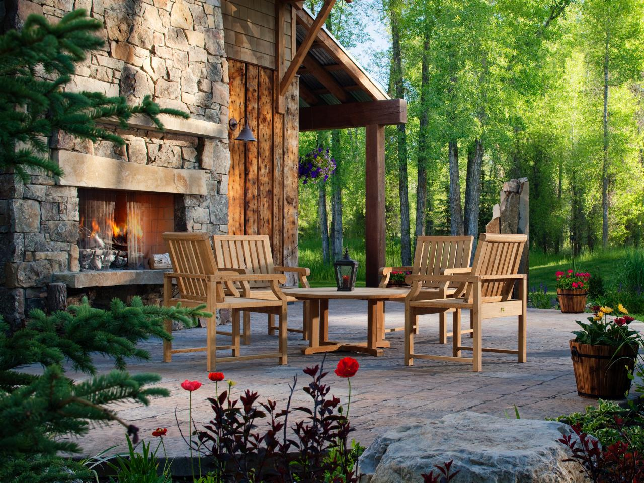 20 cozy outdoor fireplaces outdoor design landscaping for Outdoor patio fireplace ideas