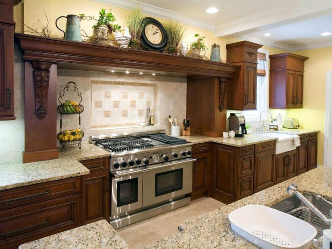 Mediterranean style kitchens kitchen designs choose for Kitchen cabinets designs photos