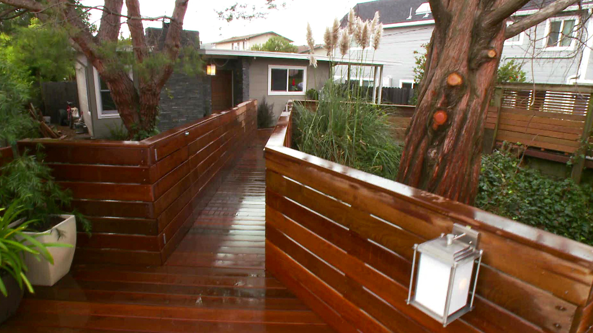 httpswwwhgtvcomcontentdamimageshgtvvideo - Courtyard Design Ideas