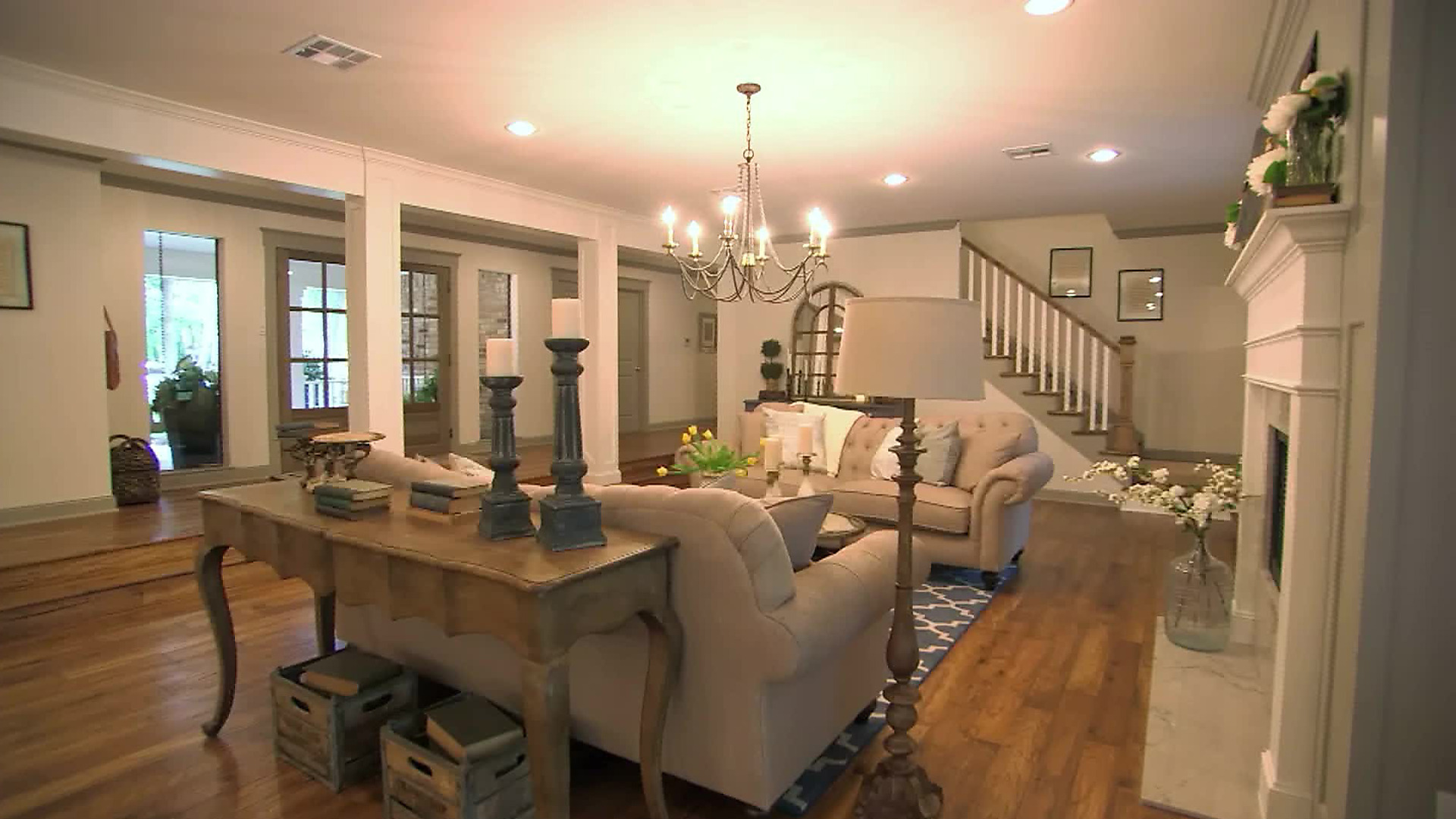 Superbe Living Room Colors, Design Styles, Decorating Tips And Inspiration | HGTV